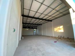 Foto Bodega Industrial en Renta en  El Porvenir,  Mérida  Bodega con oficina comercial nueva, a una cuadra de periferico y estacionamiento