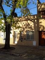 Foto Casa en Venta en  La Plata ,  G.B.A. Zona Sur                  Pza. Brandsen