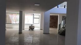 Foto Local en Alquiler en  Área Centro Este ,  Capital  Chubut al 300.  Local Comercial en Alquiler