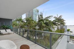 Foto Departamento en Venta en  Edgewater,  Miami-dade  Gran Paraiso, unidad 601