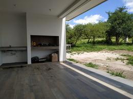 Foto Casa en Venta en  Alta Gracia,  Santa Maria  Moderna Propiedad a Estrenar en Alta Gracia Country Golf