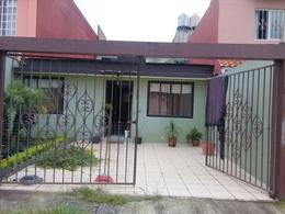 Foto Casa en Venta en  Fraccionamiento Casa Pinta,  Coatepec  EN VENTA, BONITA CASA DE UN NIVEL  EN COATEPEC,  FRACCIONAMIENTO CASA PINTA