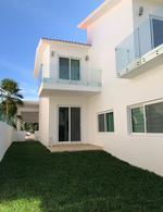 Foto Casa en Venta en  Isla Dorada,  Cancún  Casa en venta en Cancún/Zona Hotelera/Islada Dorada