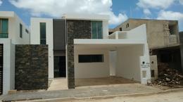Foto Casa en Venta en  Fraccionamiento Real Montejo,  Mérida  Casa en venta al Norte de Mérida, con recamara en planta baja