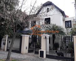 Lindísima casa de 6 ambientes con jardín y pileta
