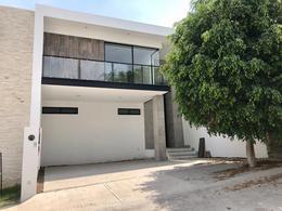 Foto Casa en Venta en  Fraccionamiento Barranca del Refugio,  León  Estrena casa!! acabados de lujo