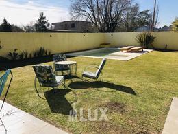 venta casa barrio Don Juan - Funes dos dormitorios, piscina galería parrillero excelente posibilidad de ampliación