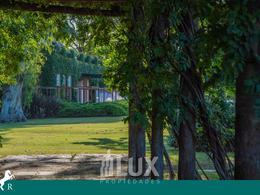 Venta casa 3 dormitorios 216 m2 1000m2 terreno piscina cocheras - La Rinconada