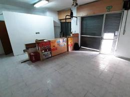 Foto Local en Alquiler en  San Telmo ,  Capital Federal  Tacuarí al 900