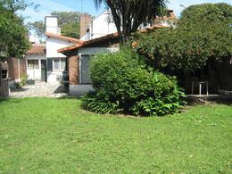Foto Casa en Venta en  Adrogue,  Almirante Brown  CANALE nº 1724, entre Comodoro Py y La Rosa
