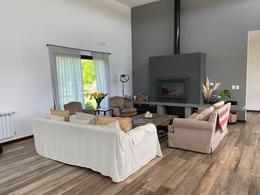 Foto Casa en Alquiler en  Chacras de la Reserva,  Countries/B.Cerrado (Campana)  Hermosa casa de diseño 4 dorm en Chacras de la reserva