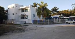 Foto Edificio Comercial en Venta | Renta en  Puerto Morelos,  Cancún  Puerto Morelos