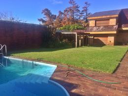 Foto thumbnail Casa en Venta | Alquiler en  Carrasco ,  Montevideo  Carrasco clásico, familia grande o empresa