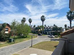 Foto Casa en Venta en  San Marino,  Funes  FUERZA AEREA  2100