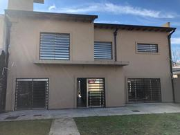 Foto Casa en Venta en  Burzaco,  Almirante Brown  Tiglio 1248