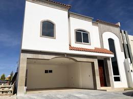Foto Casa en Venta en  El Roble Residencial,  Durango  HERMOSA RESIDENCIA EN PRIVADO FRENTE AL COLEGIO REX, FRAC. EL ROBLE