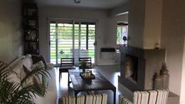 Foto Casa en Alquiler temporario en  Las Lomas-Horqueta,  Las Lomas de San Isidro  Carlos Tejedor al 2200