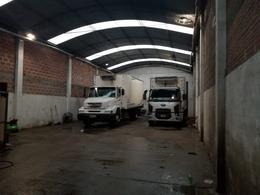 Foto Galpón en Venta en  Los Hornos,  La Plata  143 y 54 N° 1011