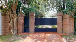 Foto Casa en Venta en  Manuel B Gonnet,  La Plata  485 E/ 20 y 21