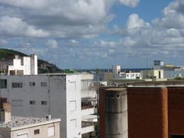 Foto Departamento en Alquiler | Alquiler temporario en  Centro,  Piriápolis  Plaza Artigas Calle Emilia Alperovich
