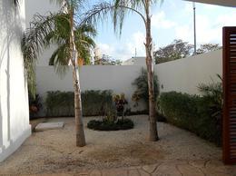 Foto Casa en Renta en  Supermanzana 13,  Cancún  HERMOSA CASA MINIMALISTA EN RENTA CON EXCELENTES ACABADOS DE LUJO