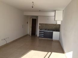 Foto Departamento en Venta en  Lomas De Zamora ,  G.B.A. Zona Sur  Rivera 680