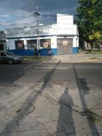 Foto thumbnail Local en Alquiler en  Moreno,  Moreno  Local sobre avenida - Libertador esq. Santos Vega - Lado Norte