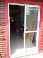 Foto Local en Alquiler en  Valentin Alsina,  Lanus  PERON  2500