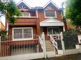 Foto Casa en Alquiler en  Acassuso,  San Isidro  Las Heras al 1200