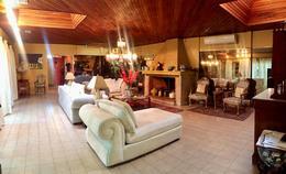 Foto Casa en Alquiler en  Mcal. Lopez,  San Roque  Zona El Dorado
