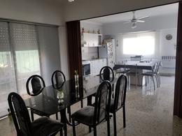Foto Casa en Venta en  Berisso,  Berisso  39 N° 5135  e/ Montevideo y 179