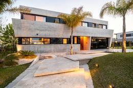 Foto Casa en Venta en  El Yacht ,  Nordelta  El Yacht - Avenida de la Rivera 560 - Nordelta - Tigre