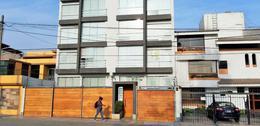 Foto Departamento en Venta en  Santiago de Surco,  Lima  Av. Alejandro Velasco Astete 1700