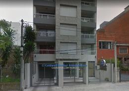 Foto Local en Alquiler en  Puerto Buceo ,  Montevideo  Melitón González y Saldanha da Gama