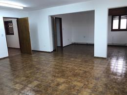 Foto Oficina en Alquiler en  Alberdi,  Cordoba  B° Alberdi - Oficina en Planta Alta - A metros de Plaza Colón
