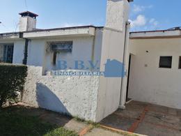 Foto Casa en Alquiler en  Real de San Carlos ,  Colonia  Vivienda de 1 Dorm. zona  Real de San Carlos