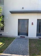 Foto Casa en Venta en  Banfield,  Lomas De Zamora  Bosch al 1800