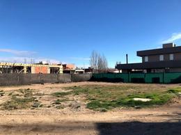 Foto Terreno en Venta en  Capital ,  Neuquen  Gatica  al 2800
