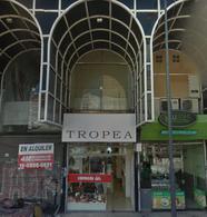 Foto Local en Alquiler en  Belgrano ,  Capital Federal  ECHEVERRIA Y AV CABILDO