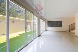 Foto Casa en Venta | Renta en  Parques de la Herradura,  Huixquilucan  Linda casa con Jardín  en condominio