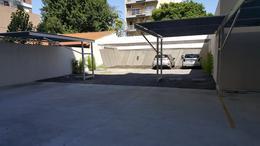 Foto Cochera en Alquiler en  Moron Sur,  Moron  Yatay esq. Pellegrini. Moron