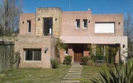 Foto Casa en Venta en  Lomas de Carrasco,  Countries/B.Cerrado (Carrasco)  Lomas de La Tahona