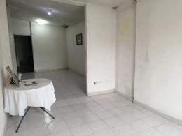 Foto Casa en Venta en  Noria Sur,  Apodaca  Casa en Avenida para Negocio/Bodega/ Local cerca Isidoro Sepulveda