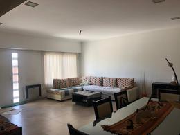 Foto Casa en Venta en  Lisandro Olmos Etcheverry,  La Plata  200 entre 42 y 43