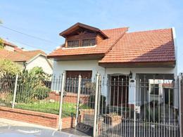 Foto Casa en Venta en  Banfield Oeste,  Banfield  Manuel Castro 2060
