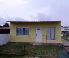 Foto Casa en Venta en  Colonia del Sacramento ,  Colonia  Casa de 2 dormitorios ubicada en el Fraccionamiento Los Patos