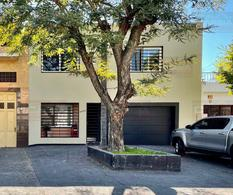 Foto Casa en Venta en  Lanús Oeste,  Lanús  CARLOS CASARES 2075