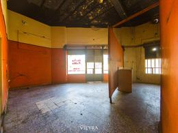 Foto Local en Alquiler en  Villa Real ,  Capital Federal  Irigoyen al 2400