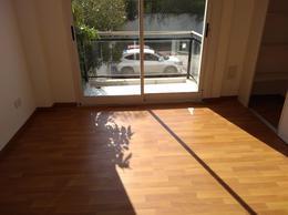 Foto Departamento en Venta en  Lomas De Zamora ,  G.B.A. Zona Sur  Portele al 600