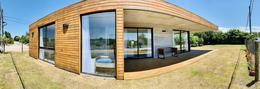 Foto Casa en Venta en  La Barra ,  Maldonado  A 3 cuadras de la Playa